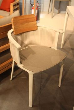 The Nicolette chair is an light and delicate aluminium chair sturdy enough for everyday use. Ethic teamed with Patrick Forget to present a chair that has an injection-molded aluminum structure, put together with extruded aluminum parts. It also includes a special waterproof exterior fabric that can be delicately pleated and still be durable and waterproof. .