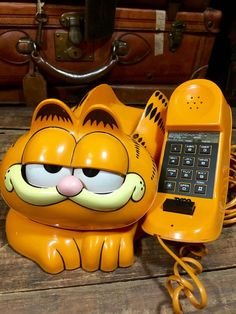 Vintage 1980's Garfield Push Button Landline Telephone Made By Tyco--Fully Functional