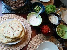 Kotitekoiset tortillat Palak Paneer, Hummus, Tacos, Menu, Gluten Free, Mexican, Bread, Breakfast, Ethnic Recipes