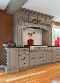 Mantel Hood In Sharon, MA Kitchen Designed By Amy Mood Of Kitchen Views.