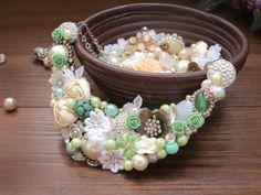 Vignette Collections - Mint :: Vintage Handmade Necklace :: Mint, Green, Ivory, Antique, Classic
