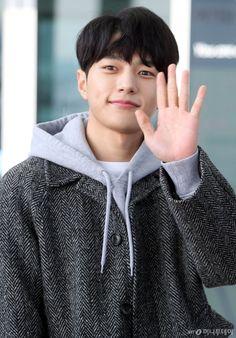 Myungsoo uploaded by Woohag on We Heart It Asian Actors, Korean Actors, Kim Myung Soo, Myungsoo, Kpop, Asian Boys, Dimples, Friends Forever, Korean Drama