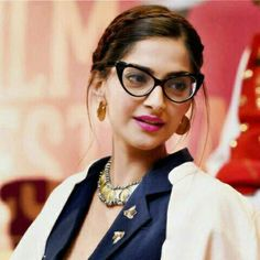 See More photos on Sonam Kapoor at FICCI FLO Film Festival in Mumbai, Nandita Das and Sonam Kapoor during the inauguration of the 'FLO Film Festival' in Mumbai Celebrity Gossip, Celebrity News, She Girl, Sonam Kapoor, Hollywood Celebrities, Girl Gang, Body Shapes, Bollywood Actress, Film Festival