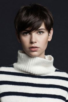 25 Pixie Haircut Styles 2013 Short Haircut for Women. I love my long hair, but I will forever worship women with Pixie cuts! Funky Hairstyles, Girl Hairstyles, Stylish Hairstyles, Winter Hairstyles, Long Pixie Hairstyles, Hairstyles Pictures, 2015 Hairstyles, Beautiful Hairstyles, Medium Hairstyles