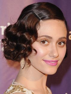 210313-Emmy-Rossum-retro-hair-U3UyQj-lgn.jpg 375×500 pixels   @Erin i think this would look amazing on you. also, you look like this chick