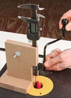 How to Set Exact Router Bit Height with Dial Caliper   Rockler Skill Builders