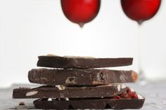 Dieta Sirtfood: afinal, tomar vinho emagrece? Vino Y Chocolate, Chocolate Chili, Chocolate Party, Love Chocolate, Making Wine From Grapes, Wine Making, Chocolates, Theobroma Cacao, Tostadas