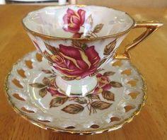 Vintage-Royal-Sealy-Pink-Yellow-Rose-Iridescent-Lustreware-Teacup-Saucer-Set