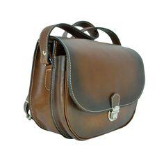 Originálna Kožená kabelka, ručne tieňovaná je vyrobená z prírodnej triesločinenej usne z ručným natieraním a následným tieňovaním krajov.