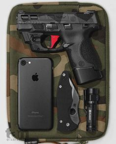 Posts about Gun holsters written by Thanh N. Tactical Life, Edc Tactical, Protection Rapprochée, M&p Shield 9mm, Edc Carry, Everyday Carry Gear, Custom Guns, Gun Holster, Weapons Guns