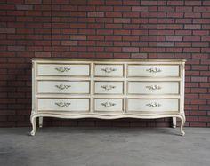 Sold  Karges French Provincial Dresser por SHABBYEUROPEANFLAIR