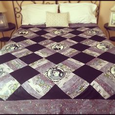 a Kiss of Nightshade Quilt Top! | CherrySprinkle