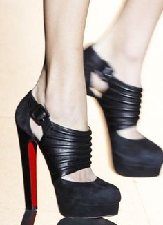 #Christian Louboutin #Shooties