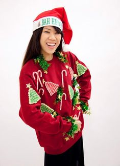 DIY Ugly Christmas Sweaters That Are Funny and Tacky Funny Christmas Outfits, Diy Ugly Christmas Sweater, Ugly Sweater Party, Xmas Sweaters, Ugly Sweaters Diy, Ugly Outfits, Diy Clothes Refashion, Holiday Party Outfit, Recycled Fashion