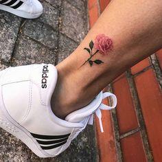 """(@tatuagensfemininas) no Instagram: """" Feita pela Tatuadora/Tattoo Artist: @Isadoralemostattoo • ℐnspiração ✩ ℐnspiration • . . #tattoo…"""""""