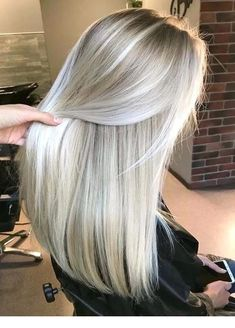 Long straight hair with platinum pearl blonde hair colors and lighter skin . - Long straight hair with platinum pearl blonde hair colors and lighter skin … # smooth colo - Pearl Blonde, Platinum Blonde Hair, Blonde Wig, Blonde Color, Platinum Blonde Highlights, Blonde Straight Hair, Pearl Hair, Blonde Brunette, White Hair Highlights