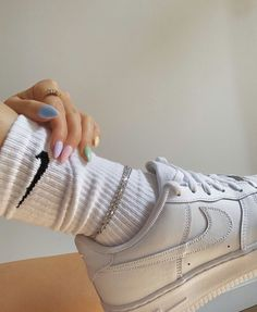 Pastel manicure and Nike Air Force 1 Pastel manicure and Nike Air Force 1 Aesthetic Shoes, White Aesthetic, Aesthetic Grunge, Aesthetic Clothes, Aesthetic Vintage, Cute Shoes, Me Too Shoes, Mode Outfits, Fashion Outfits