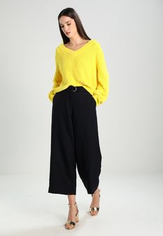 Sweter - buttercup