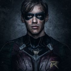 6475bc77f4186 Brenton Thwaites is playing Dick Grayson a. Robin in DC s live-action Titans  TV series and he looks incredible in these first FULL look images.