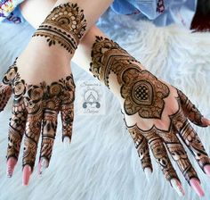 Hey everyone. I'm sharing some of my favourite henna designs for you all. Hope you all like it . Wedding Henna Designs, Henna Tattoo Designs Arm, Floral Henna Designs, Legs Mehndi Design, Latest Bridal Mehndi Designs, Mehndi Designs 2018, Modern Mehndi Designs, Mehndi Design Photos, Henna Designs Easy