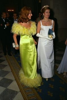 gracefilm:  Princess Grace at the Palace of Versailles gala in 1973.