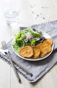 Sweet potatoes toasted with turmeric - Biodelices.fr Source by odelices Veggie Recipes, Healthy Recipes, Veggie Food, Sweet Potato Toast, Roasted Sweet Potatoes, 20 Min, Winter Food, Turmeric, Bon Appetit