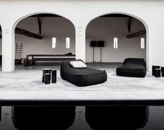 Lovely outdoor space with arches, reflecting pool & chairs by Paola Lenti Outdoor Rooms, Outdoor Living, Outdoor Beds, Outdoor Life, Outdoor Furniture, Interior Architecture, Interior And Exterior, Grill Design, Design Design