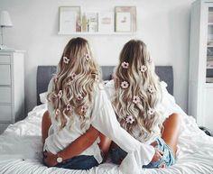 Pretty hair goals with your best friend. Pretty hair goals with your best friend. Unique Hairstyles, Pretty Hairstyles, Messy Hairstyles, Tres Belle Photo, Estilo Blogger, Friends Image, Fashion Blogger Style, Best Friend Goals, Friend Photos