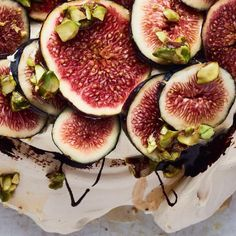 Ottolenghi& recipe for Pavolova, Praline Cream and Fresh Figs is a true showstopper of a dinner party dessert sure to solicit gasps from awed guests. Ottolenghi Recipes, Yotam Ottolenghi, Fig Recipes, Cake Recipes, Gluten Free Desserts, Just Desserts, Dinner Party Desserts, Cooking For A Crowd