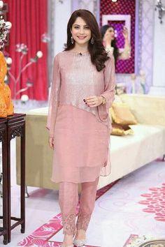 Neelum is such a sweetheart and gorgeous ofcourse Stylish Dresses, Simple Dresses, Beautiful Dresses, Casual Dresses, Fashion Dresses, Pakistani Party Wear, Pakistani Outfits, Indian Outfits, Trajes Pakistani
