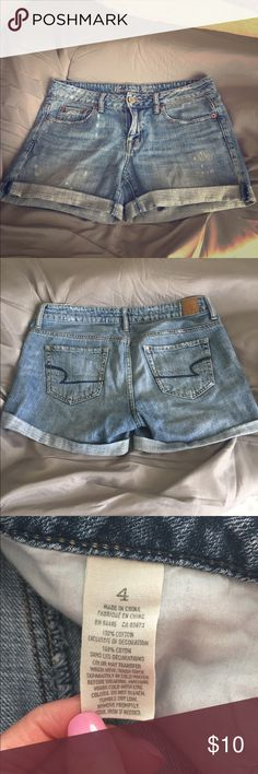 American Eagle outfitters jean shorts women's 4 These relaxed denim shorts from American Eagle are boyfriend style. Size 4, distressed denim style. Thanks for looking! American Eagle Outfitters Shorts Jean Shorts