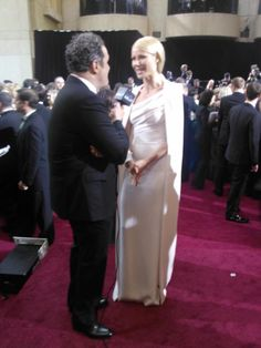 Gwyneth Paltrow looks stunning on the red carpet!