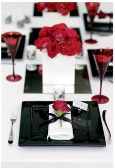 Creating the Perfect Valentine's Tablescape | Know It All