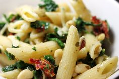 Pesto Pasta Salad (with spinach and sun-dried tomatoes
