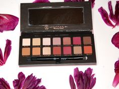 Anastasia Beverly Hills Modern Renaissance Eyeshadow Palette review http://swatchandreview.com/anastasia-beverly-hills-modern-renaissance-eyeshadow-palette-review/