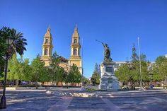 Plaza y Catedral de Rancagua, Chile. Escenario de la Batalla de Rancagua en 1814 y, principal punto de encuentro público de la ciudad.