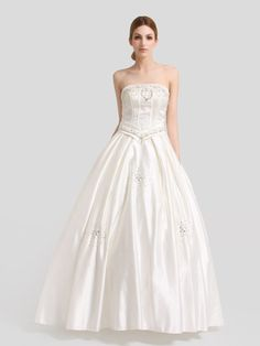 Ivory Straight Neck Satin Ball Gown with Rhinestone and Beading Brands:Sweet MelodyFreeship:YESFabric:SatinFabric(main):WeddingTailoring Time (Standard):15-20 DaysTailoring Time (Rush Order):10-15 DaysSilhouette:Ball GownNeckline:Straight…