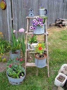 Beautiful Ladder Garden For Your Best Yard (21)