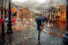 Cidade Russa - O fotógrafo russo Eduard Gordeev, capturou imagens delicadas da cidade tirando estas belas fotografias na chuva. As gotas de água produzem um borrão nas cores e também difunde a luz, resultando em fotografias que têm uma forte semelhança com pinturas a óleo impressionistas.