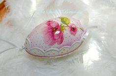 Pysanka  Openwork Anemones Egg  Polish easter by Bettineum on Etsy, $25.00