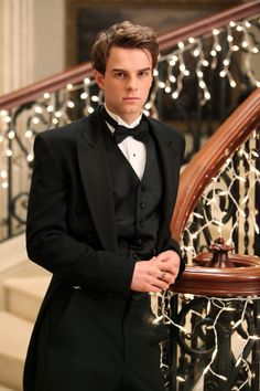 Nathaniel Buzolic as Colin Bridgerton