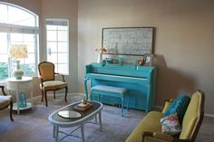 Adorable turquoise piano, but could I ever bring myself to paint a piano?  Doubtful.