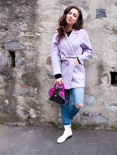The Brunette Nomad, Dallas fashion blogger, shows you how to wear a woven bag in the winter  #springtrends #fashionblogger #wovenbag