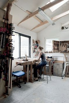 Studio Art - seventeendoors: the love of wood. This home situated north of Copenhagen has been designed and crafted by talented furniture carpenter/designer Laura Bergsøe. A dream come true for her, of course. Dream Studio, Home Studio, Garage Art Studio, Studio Spaces, Studios D'art, Music Studios, Design Studios, Studio Design, Artist Workspace