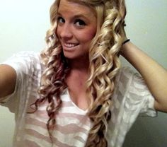 Hair, please grow!!! Please! So I can curl it like this!