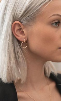 Pure White Crystal Stud Earrings, White Geode Earrings, Bridal Jewelry Gift, Snow White Geode on Gold Posts, White Party Attire for Her - Fine Jewelry Ideas Luxury Jewelry, Gold Jewelry, Jewelery, Jewelry Accessories, Fine Jewelry, Cheap Jewelry, Gemstone Jewelry, Cartier Jewelry, Vintage Jewelry