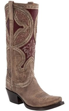 This boot's calf leather quarter is inspired by pre-Renaissance European art, with studding as well as contrast stitching outlining the patterns. The modern, straight topline in the front is complemen