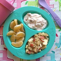 Quick + Easy + Healthy Breakfast: Clementine + Strawberry Greek Yogurt ( + Apple Cinnamon Oatmeal (My entry for the challenge! Healthy Cake Recipes, Healthy Drinks, Baby Food Recipes, Food Network Recipes, Dinner Recipes For Kids, Kids Meals, Toddler Meals, Easy Healthy Breakfast, Healthy Breakfasts