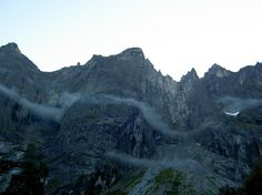 Trollväggen: känt bergsstup på berget Trolltindan i Norge