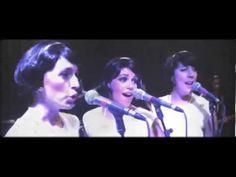 The Rockettes 'Be My Baby' video  Si creciste durante los '60, probablemente no necesite decirte lo fabulosa que era la música en esa época. El Twist de Chubby Checker, Hey Jude, de los Beatles, Good Vibrations de los Beach Boys, My Girl de The Temptations… la lista de éxitos trascendentales sigue y sigue. Y cuando escuchas cualquiera de esas canciones, prepárate para mucha nostalgia.  Como probablemente ya hayas experimentado, la música tiene la propiedad de abrir compuertas a recuerdos muy…